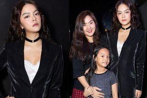 Trước mặt con gái, Phạm Quỳnh Anh xúc động nói điều này về phận mẹ đơn thân chạy show kiếm tiền