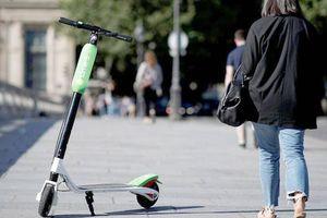Người đi xe e-scootercó thể phải kiểm tranồng độ cồn