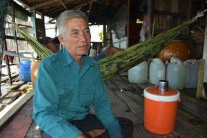 Người 'thắp lửa' cho những mảnh đời trên đảo Hòn Đốc