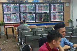 Chứng khoán ngày 17/7: VN – Index giữ thành công mốc 980 điểm