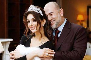Cựu vương Malaysia bất ngờ ly hôn nữ hoàng sắc đẹp Nga sau một năm cưới