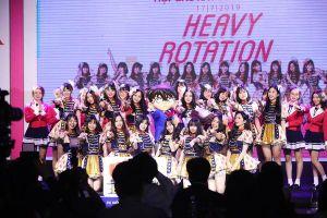 Nhóm nhạc SGO48 phát hành single debut 'Heavy Rotation': Chính thức chào sân sau tháng ngày trầy trật