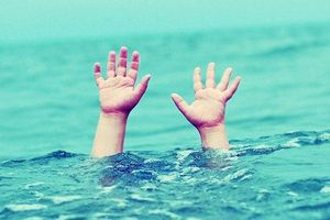 Đi tắm ao cùng bạn, bé trai 8 tuổi bị đuối nước tử vong