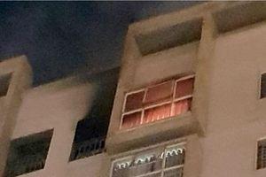 Cháy căn hộ chung cư ở Đà Nẵng, hàng trăm người tháo chạy lúc nửa đêm