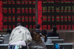 Trung Quốc mạnh tay với công ty chứng khoán nhỏ
