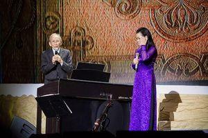 Con trai nhạc sĩ Nguyễn Ánh 9 tiết lộ về mối quan hệ thực sự giữa cha mình và danh ca Khánh Ly