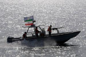 Giữa căng thẳng với Mỹ, Iran xác nhận bắt tàu dầu trên eo biển Hormuz