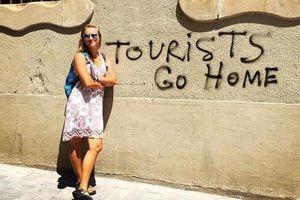 Cách các thành phố chống lại sự phá hoại của khách du lịch