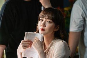 'Chị đẹp' Im Soo Jung như gái đôi mươi ở tuổi 40, xứng đáng là đối thủ đáng gờm của Jang Nara