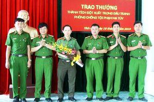 Thanh Hóa: Thưởng nóng cho Công an huyện phá chuyên án ma túy lớn