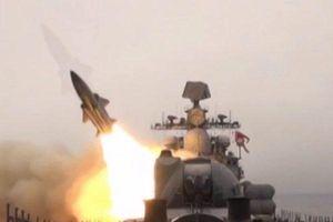 Các tàu chiến Nga tiêu diệt mục tiêu bằng tên lửa siêu thanh Moskit