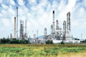 Giá dầu leo dốc hơn 1% do căng thẳng Mỹ - Iran tăng nhiệt