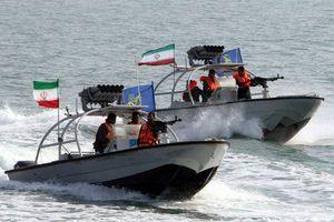 Iran tung video vây bắt tàu chở dầu tại 'điểm nóng' vịnh Ba Tư