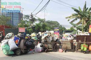 Hà Nội – Bài 2: Chính quyền và doanh nghiệp nói gì về 2 bãi rác tự phát ở xã Tân Triều