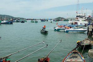 Vớt thi thể ngư dân nổi trên biển Phú Quốc