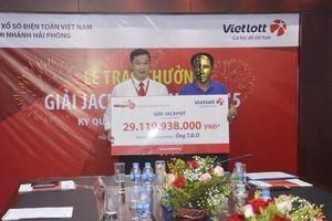 Tài xế ở Nghệ An vừa trúng Vietlott hơn 29 tỉ đồng là ai?