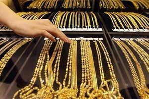 Giá vàng tăng dựng đứng, cao nhất 6 năm qua