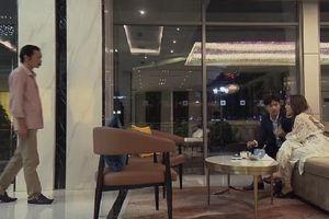 'Về nhà đi con' tập 69: Ông Sơn bắt quả tang Vũ đang thân mật bên Nhã