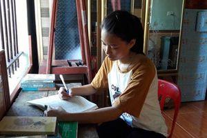 Nữ sinh quê lúa với ước mơ thành phiên dịch viên