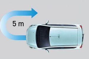 Bỏ qua những nguyên tắc khi quay đầu xe ô tô, tài xế dễ gặp nguy hiểm