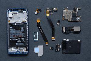 Không phải đợi iFixit, Xiaomi tự khoe nội thất Mi A3 'nuột nà'