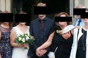 Mẹ chồng kỳ quặc: 'Dằn mặt' cô dâu trước lễ cưới, không cho cô dâu nắm tay chú rể