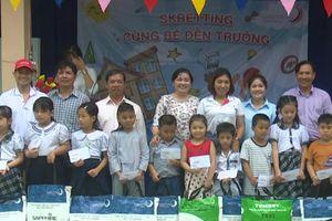 Tặng 92 phần quà cho học sinh nghèo và mồ côi