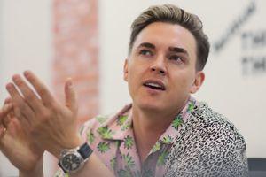 'Nghệ sĩ thời nay phải phơi bày đời tư lên mạng để nổi tiếng'
