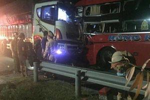 Đà Nẵng: Tai nạn liên hoàn, 1 người chết, 20 người bị thương