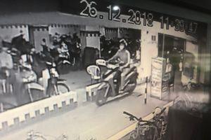 Mất xe SH ở Sài Gòn vì không lấy thẻ: Nạn nhân không chịu nhận 50 triệu