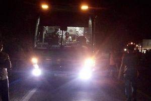 Va chạm với xe khách, 2 thiếu nữ đi xe máy tử vong