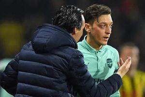 Ngôi sao Ozil 'giải độc' về tin đồn mâu thuẫn với HLV Arsenal