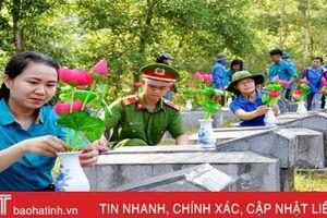 Hơn 7.000 đóa sen dâng mộ liệt sỹ tại Hà Tĩnh