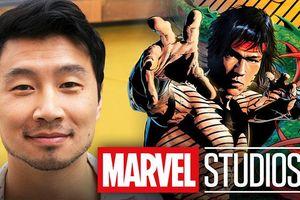 Không phải Ludi Lin hay Chân Tử Đan, đây mới là nam chính Shang-chi đóng cùng Lương Triều Vỹ trong phim siêu anh hùng châu Á đầu tiên của Marvel