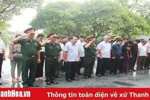 Đoàn đại biểu tỉnh Thanh Hóa dâng hương, viếng các nghĩa trang tại tỉnh Điện Biên