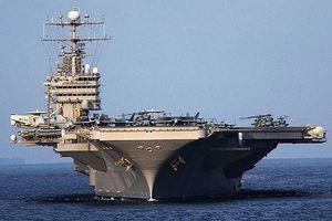 Rơi từ tàu sân bay, thủy thủ Mỹ mất tích bí ẩn trong vùng biển gần Iran