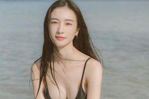 Sao Việt diện bikini: Quỳnh Anh Shyn bị chê dị, Jun Vũ đẹp dịu dàng