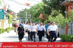 Đoàn cán bộ Hà Giang trao đổi kinh nghiệm khai thác du lịch, xây dựng NTM tại Hà Tĩnh