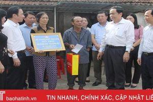 Chủ tịch MTTQ Việt Nam Trần Thanh Mẫn tri ân gia đình chính sách Hà Tĩnh