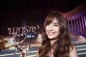 Dàn sao Thái lộng lẫy tại thảm đỏ Nataraj Awards lần thứ 10: Bella Ranee tỏa sáng bên trai xinh gái đẹp nhà Nadao Bangkok