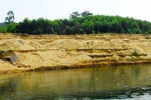 Doanh nghiệp khai thác cát trái phép chây ì khắc phục môi trường trên sông Bồ