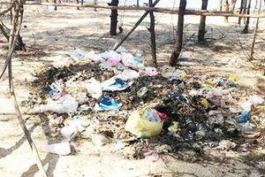 Tháo gỡ tình trạng ô nhiễm rác thải ở xã biển Hải Dương