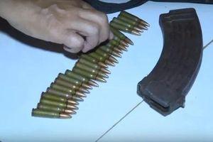 Bắn người tình rồi tự sát: Khẩu súng AK của hung thủ còn 24 viên đạn