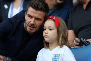 Harper Beckham xinh đẹp và sành điệu khi đi du lịch cùng gia đình