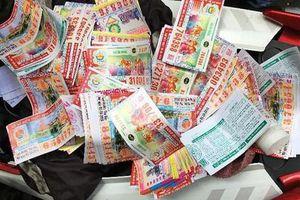 Thanh niên cướp 98 tờ vé số và 2,7 triệu đồng của người đàn ông cụt tay