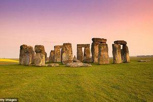 Cực sốc cách người xưa xây bãi đá cổ Stonehenge