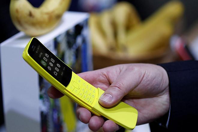 Điện thoại 'trái chuối' Nokia 8110 đã có WhatsApp
