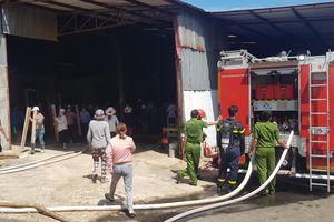 Gia Lai: Cháy nhà máy chế biến gỗ nằm trong khu dân cư