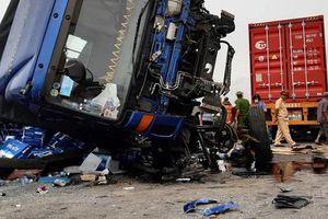 Clip xe tải đâm 5 người chết ở Hải Dương