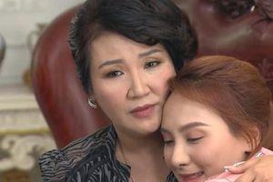 Nghệ sỹ Ngân Quỳnh: Từ 'bà mẹ tệ' tới 'mẹ chồng quốc dân'